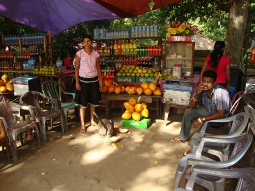 Продавщица кокосов