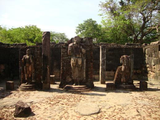 Шри Ланка, Анудархапура, старинное строение, фото